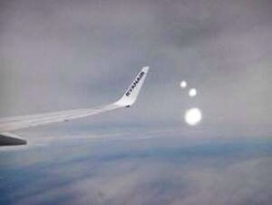 Ufo inseguono aereo Ryan Air