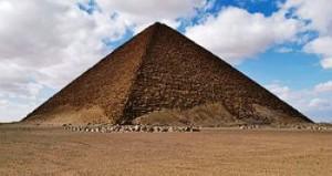 Piramide settentrionale di Snefru (rossa) - Dahshur - Egitto