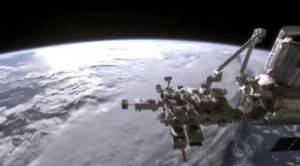 UFO vicino a ISS