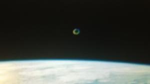 UFO staziona nei pressi della ISS